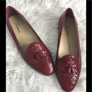 Trotters Red Loafers Flats Shoes Size 7
